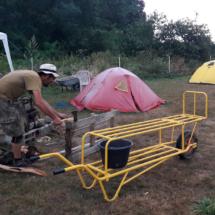 Installation des tentes et du feu de camp